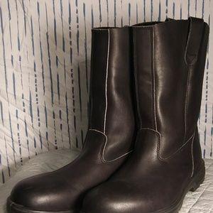 Blundstone boots. NWOT. Men's 10. Black.